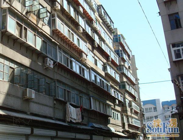 胜利大街单位宿舍外景图