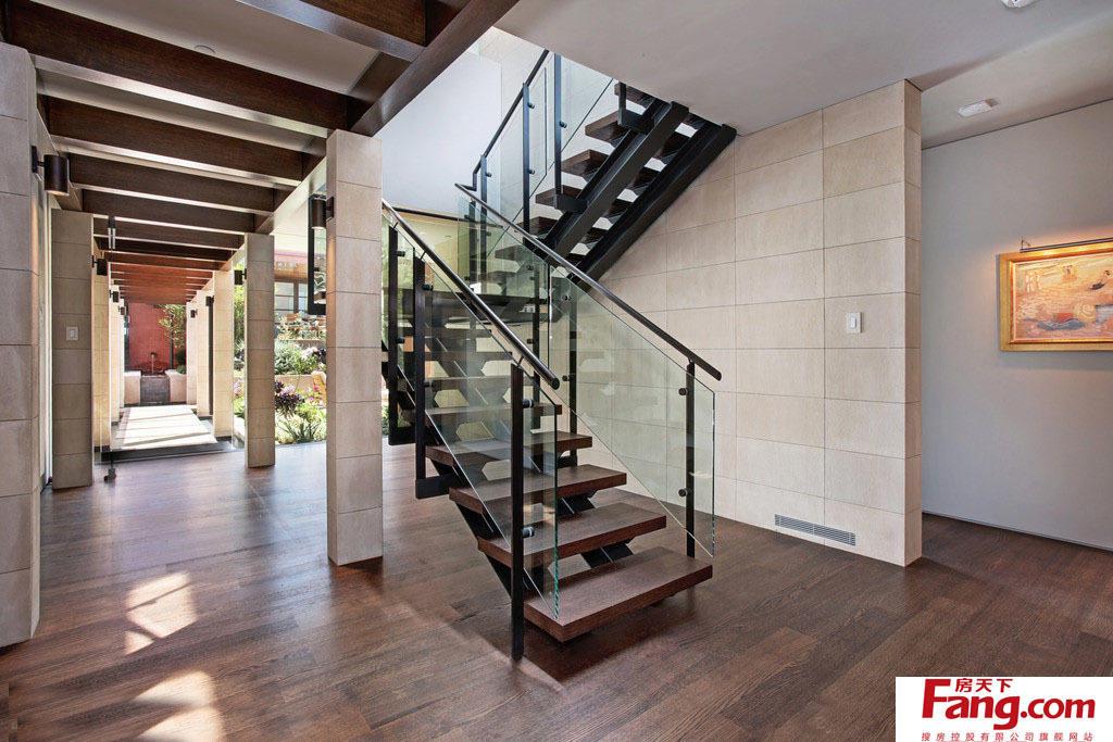 现代别墅室外楼梯设计