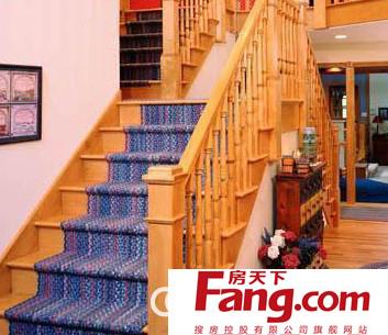 玻璃楼梯与钢结构楼梯都是很好的选择,主要是要把楼梯踏步做成具有