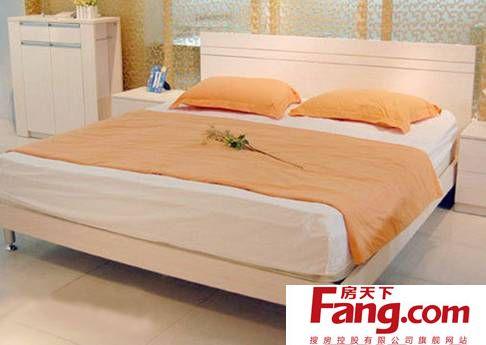 【part1:流行风格 简约风格木板床】 采用欧洲e1级标准环保实木纤维图片