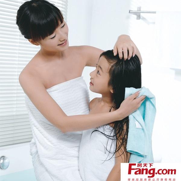 快来看看下面各种各样可爱的浴巾,浴袍,记得给自己宝宝选一件!