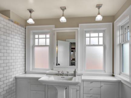 卫生间室内窗套装修效果图
