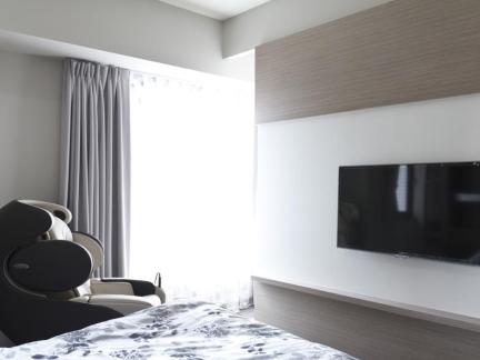 简单卧室电视背景墙设计