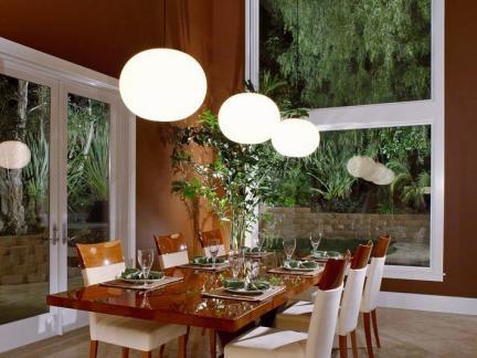 室内实木餐桌餐椅设计图片