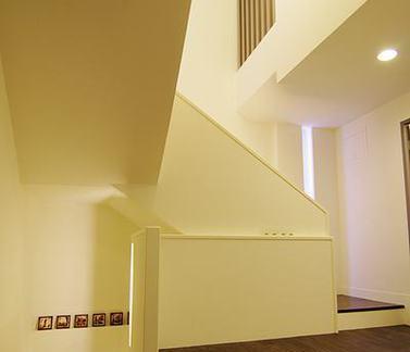 日式简约风格公寓楼梯空间室内图片