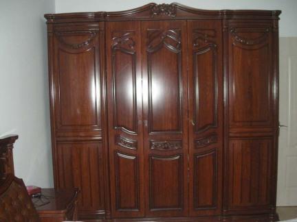 中式红色诺维家衣柜图片