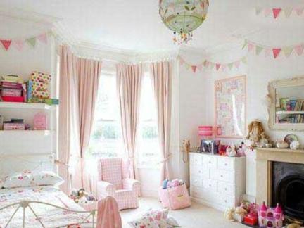小女孩卧室可爱墙纸