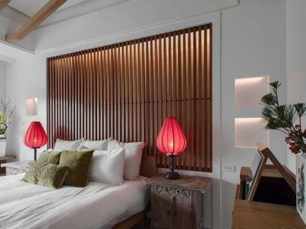 中式风卧室床头背景墙装饰图片