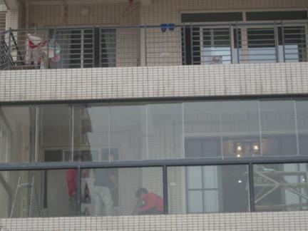房间无框阳台效果图