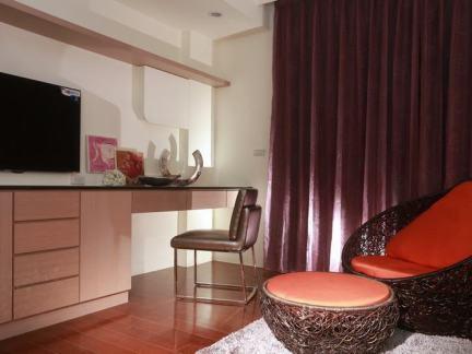 现代风格简单电视背景墙