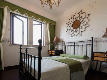 新古典小面积卧室装修图片