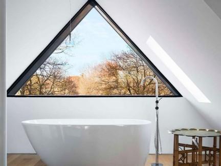 家庭设计阁楼卫生间窗户图片