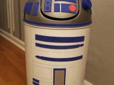 创意机器人国外垃圾桶设计