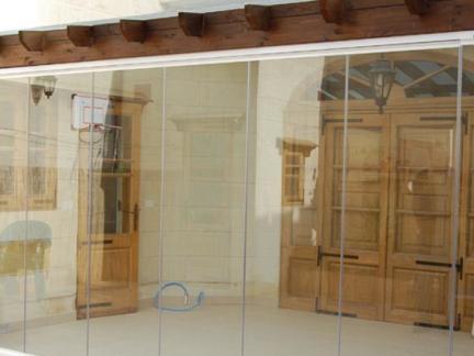 最新无框玻璃门图片欣赏