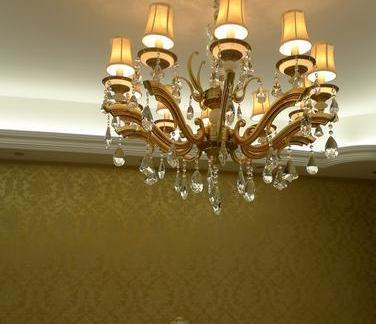 欧式客厅小吊灯图片