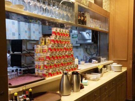 露丝茶餐厅取餐台装修效果图