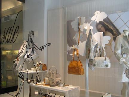 女服装店橱窗效果图