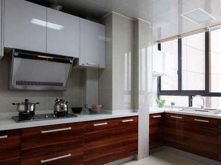 现代风格厨房烤漆橱柜装修图片欣赏