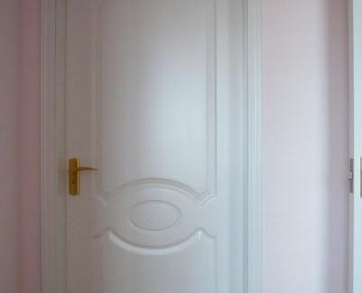 简约室内套装门图片