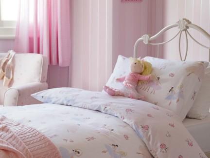 粉色壁纸房间装饰