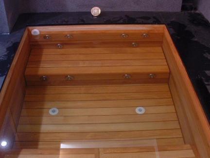 时尚木浴缸实景图片