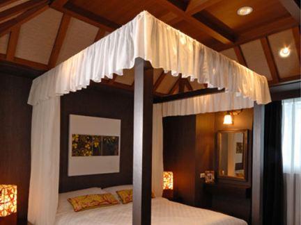 中式风格家装卧室吊顶设计图片