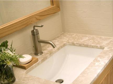 宾馆卫生间洗脸盆