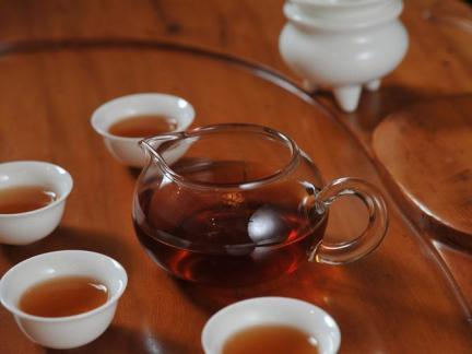 现代风家具茶具图片