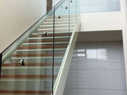 玻璃楼梯图片 效果图