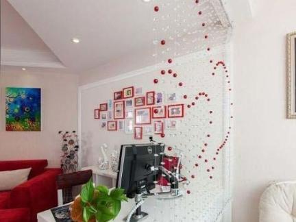 现代家居客厅珠帘隔断设计