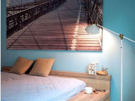宜家家居风格卧室墙面装饰画图片