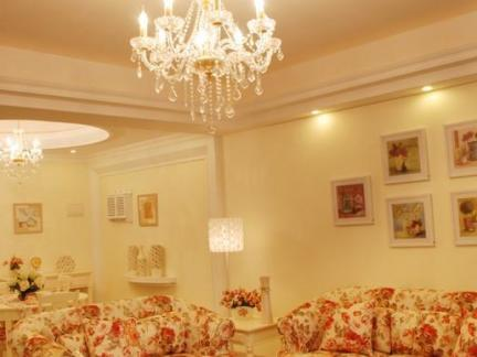 欧式古典吊灯客厅图片欣赏