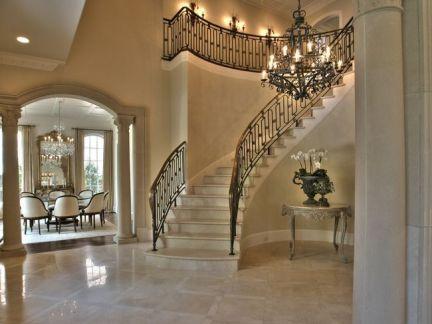 别墅进大厅楼梯风格图片