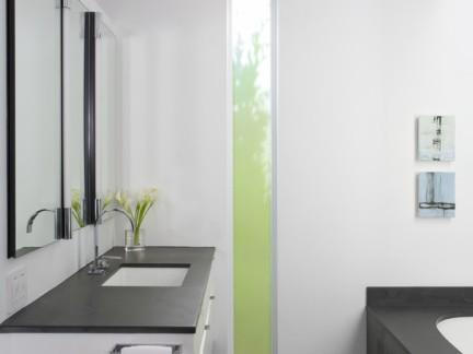 设计简单卫生间窗户
