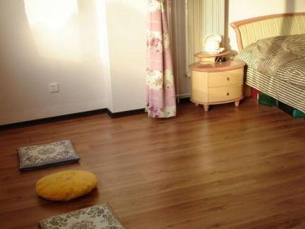 卧室地面装修木地板图片