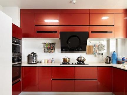 现代橙色烤漆橱柜厨房装修