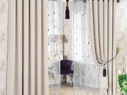 中国窗幔纯色窗帘图片