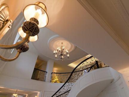 欧式楼梯间装修