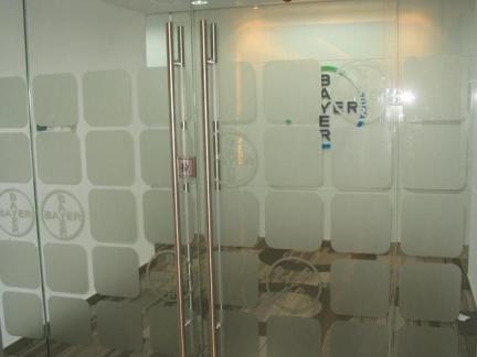 办公室磨砂玻璃隔断门图片
