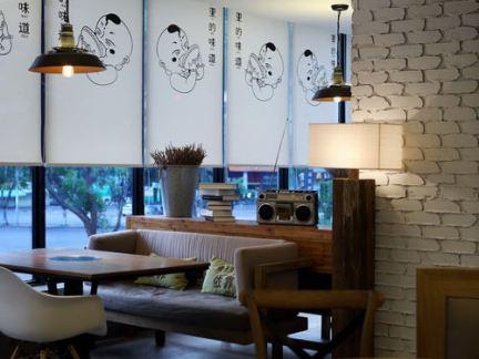 港轩茶餐厅餐位装修设计
