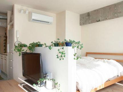 日式简约客厅与卧室电视墙隔断设计