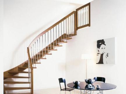 室内木楼梯创意图片
