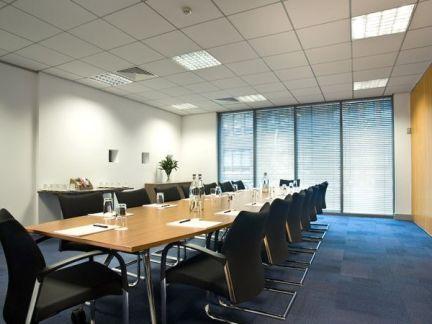 2015会议室室内吊顶设计效果图片