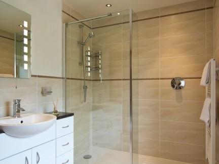 卫生间整体淋浴房装修