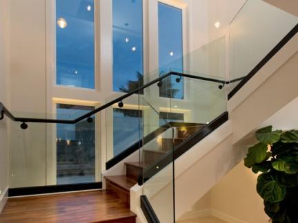 2017复式楼玻璃楼梯扶手装修效果图-房天下装修效果图片
