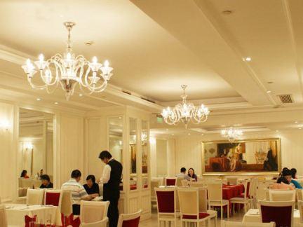 红房子西餐厅高档装修设计