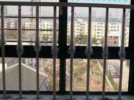室内飘窗护栏图片