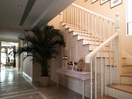 简欧风格别墅楼梯设计家装图片欣赏