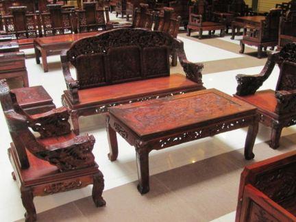 中式设计客厅红木沙发