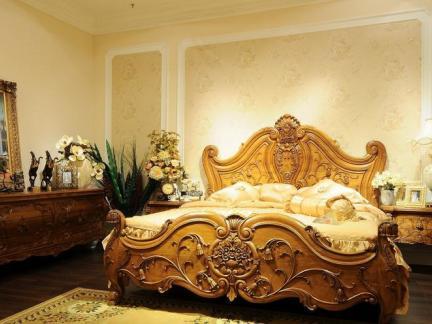 欧式古典柚木家具卧室图片